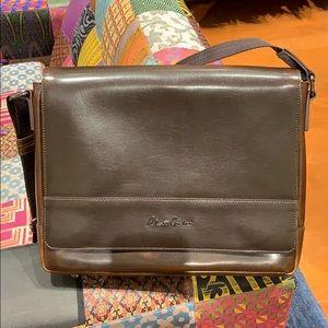 Robert Graham men's brown leather messenger bag